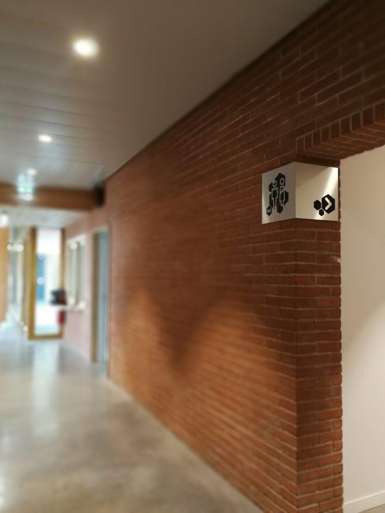 Signalétique intérieure de l'Aria, les toilettes